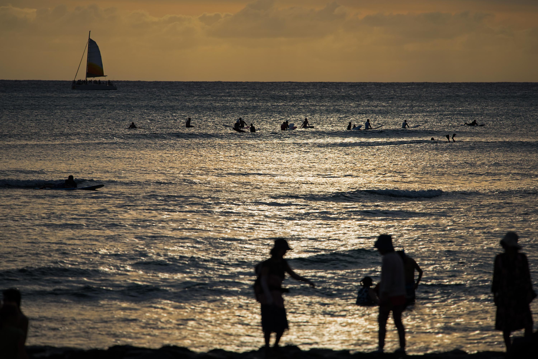 Golden Time, Waikiki Beach