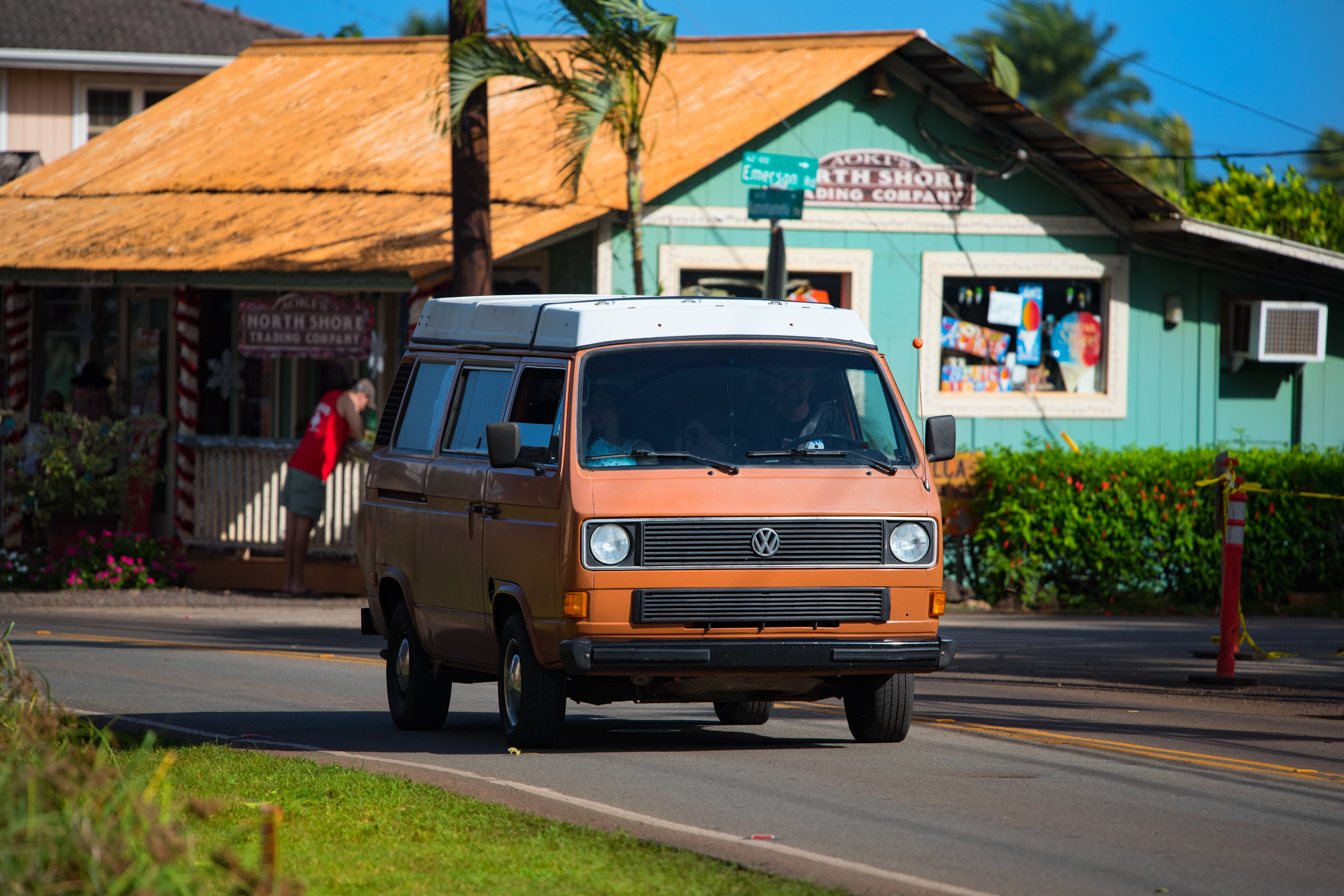 VW Vanagon in Haleiwa