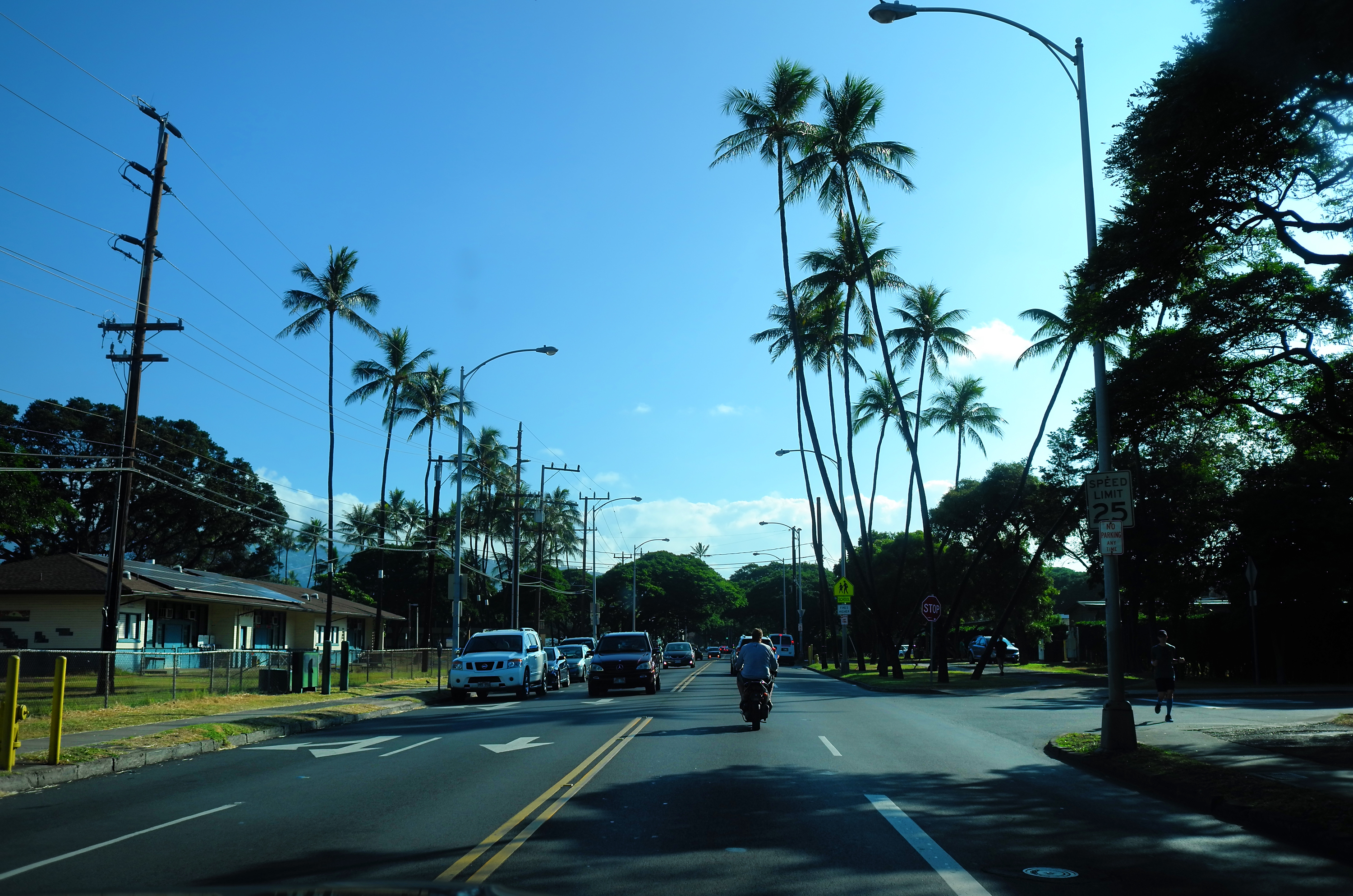 Morning in Kapahulu ave