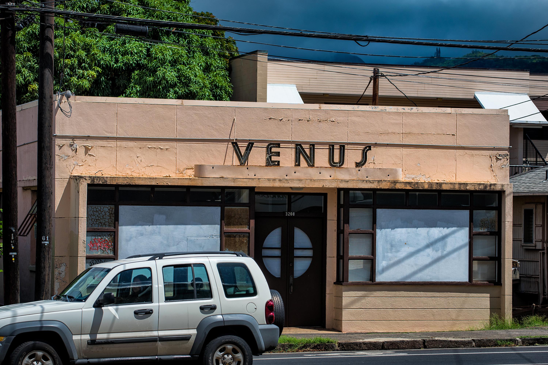Waialae Ave. Venus