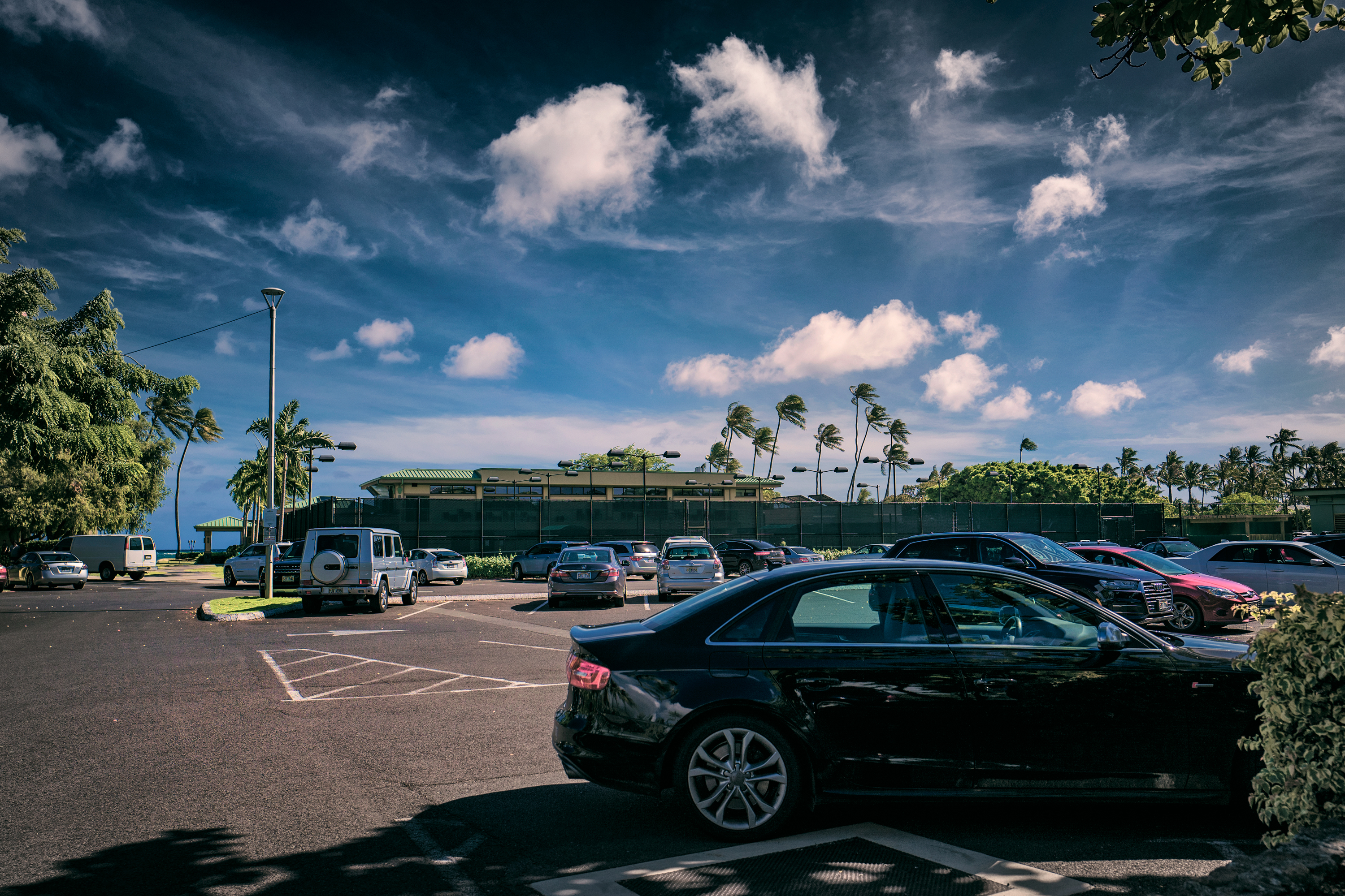 Waialae Country Club Parking