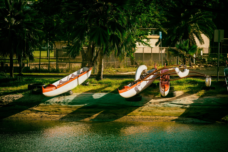 AlaWai Canal, Outrigger Canoe