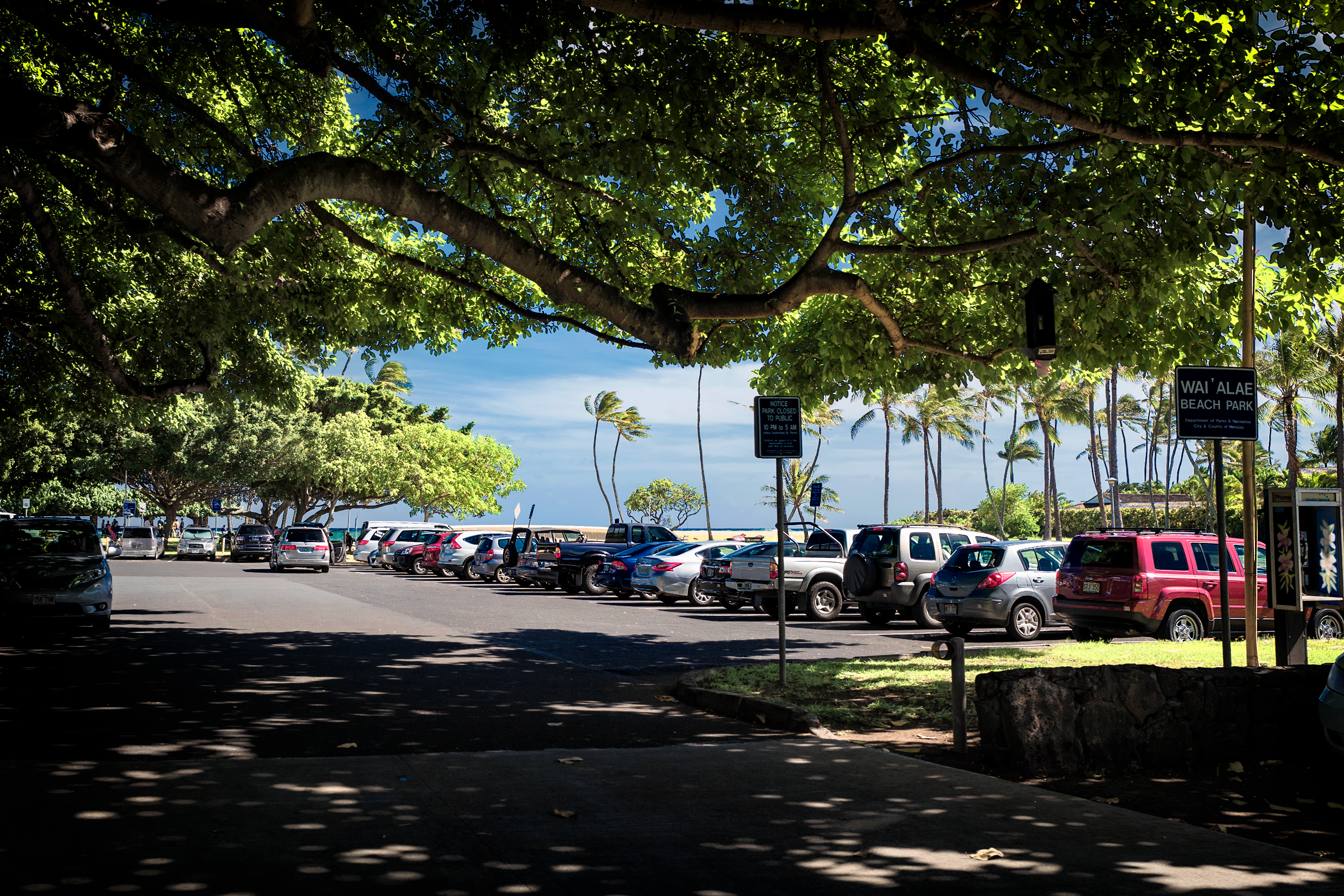 Waialae Beach Park Parking