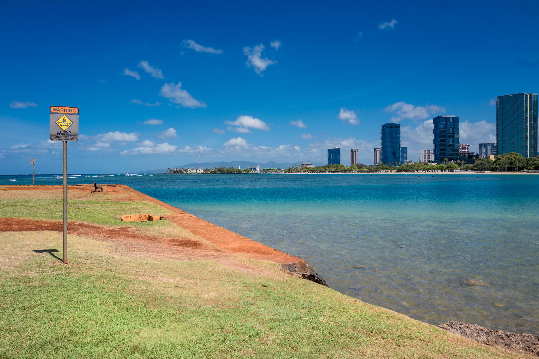 Ala Moana Beach View