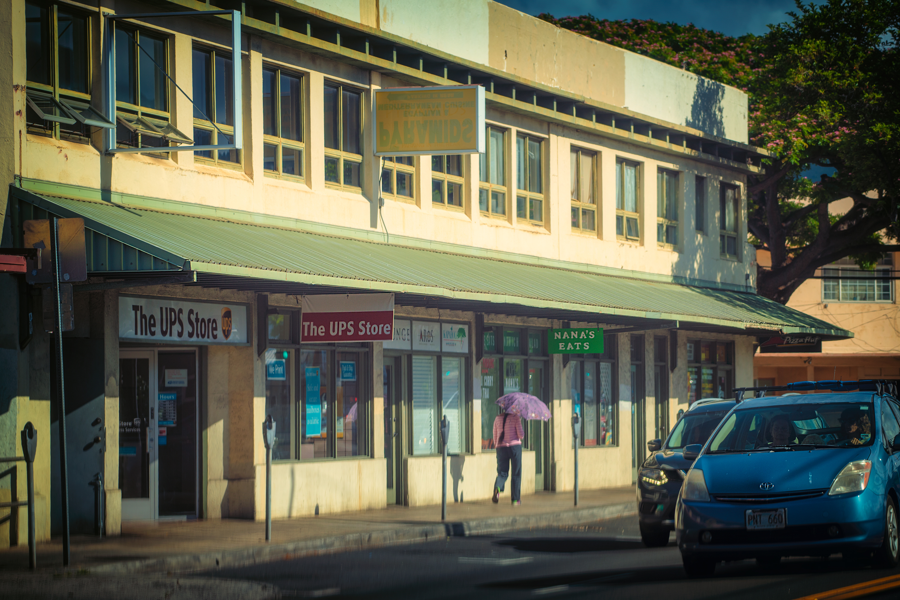 Local Scene, Kapahulu